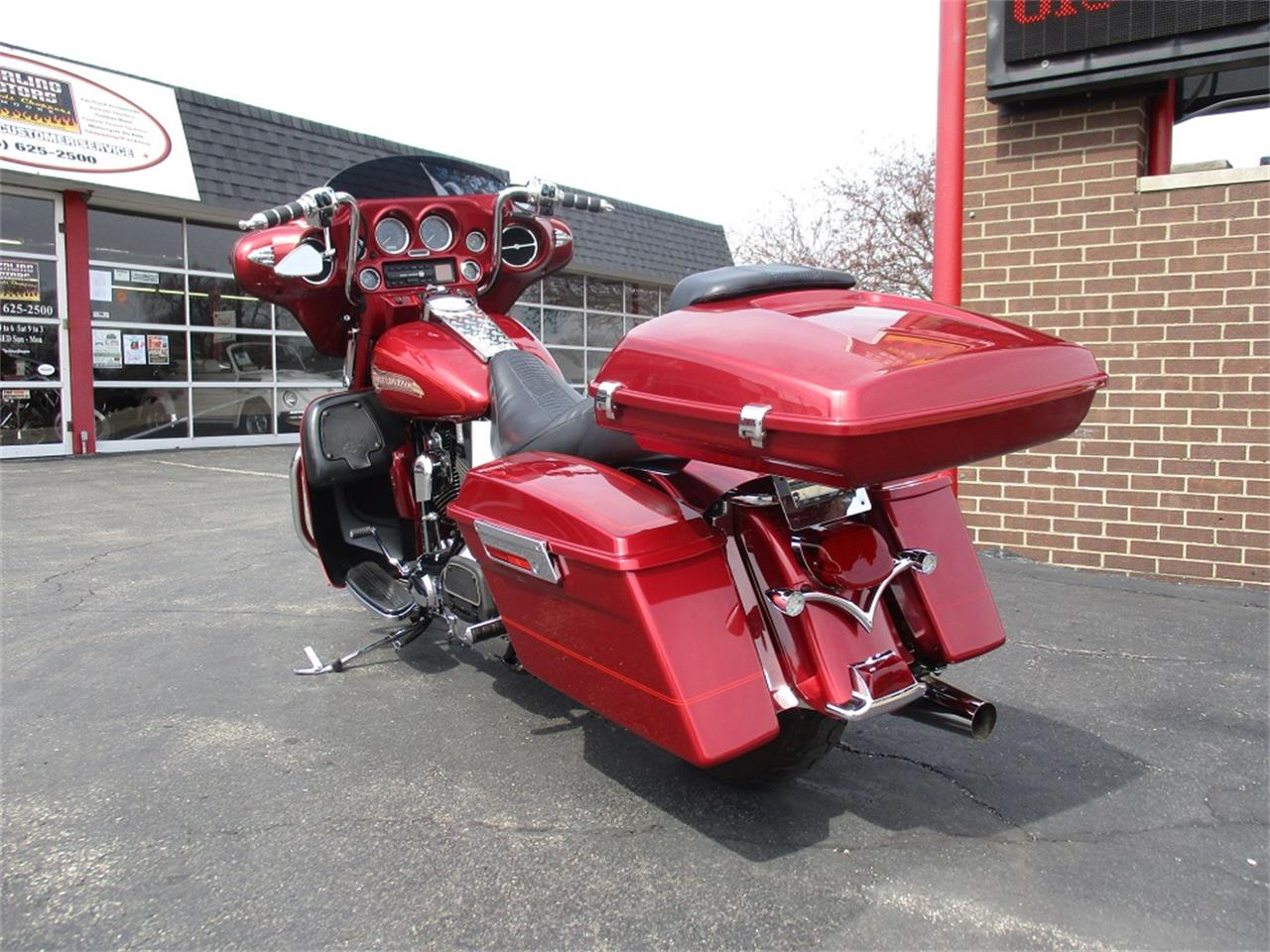 Large Picture of '05 Electra Glide - PR89