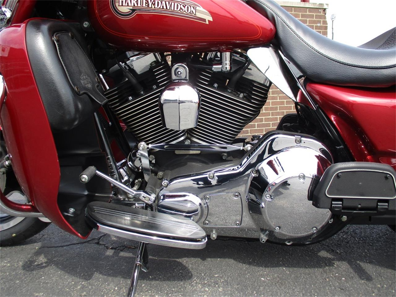 Large Picture of '05 Electra Glide located in Illinois - $9,500.00 - PR89