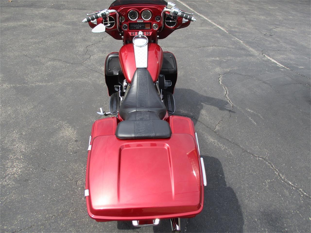 Large Picture of '05 Harley-Davidson Electra Glide located in Sterling Illinois - PR89