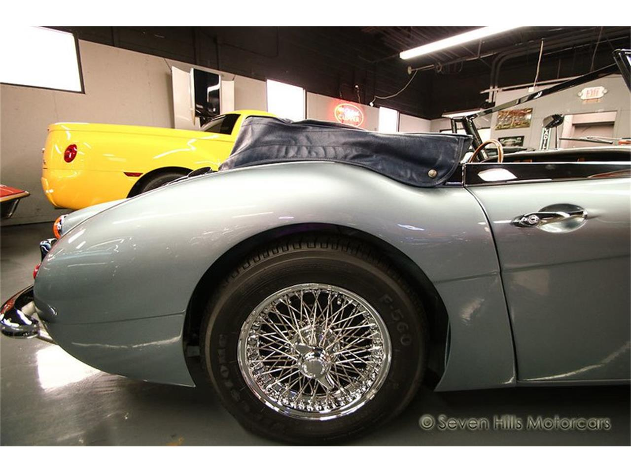 Large Picture of 1966 Austin-Healey BJ8 - PR8Y