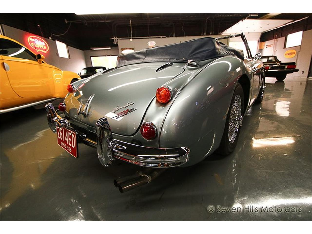 Large Picture of '66 Austin-Healey BJ8 - PR8Y