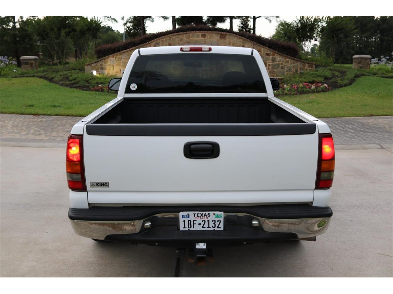 Large Picture of '00 Chevrolet Silverado - $9,900.00 - PS94
