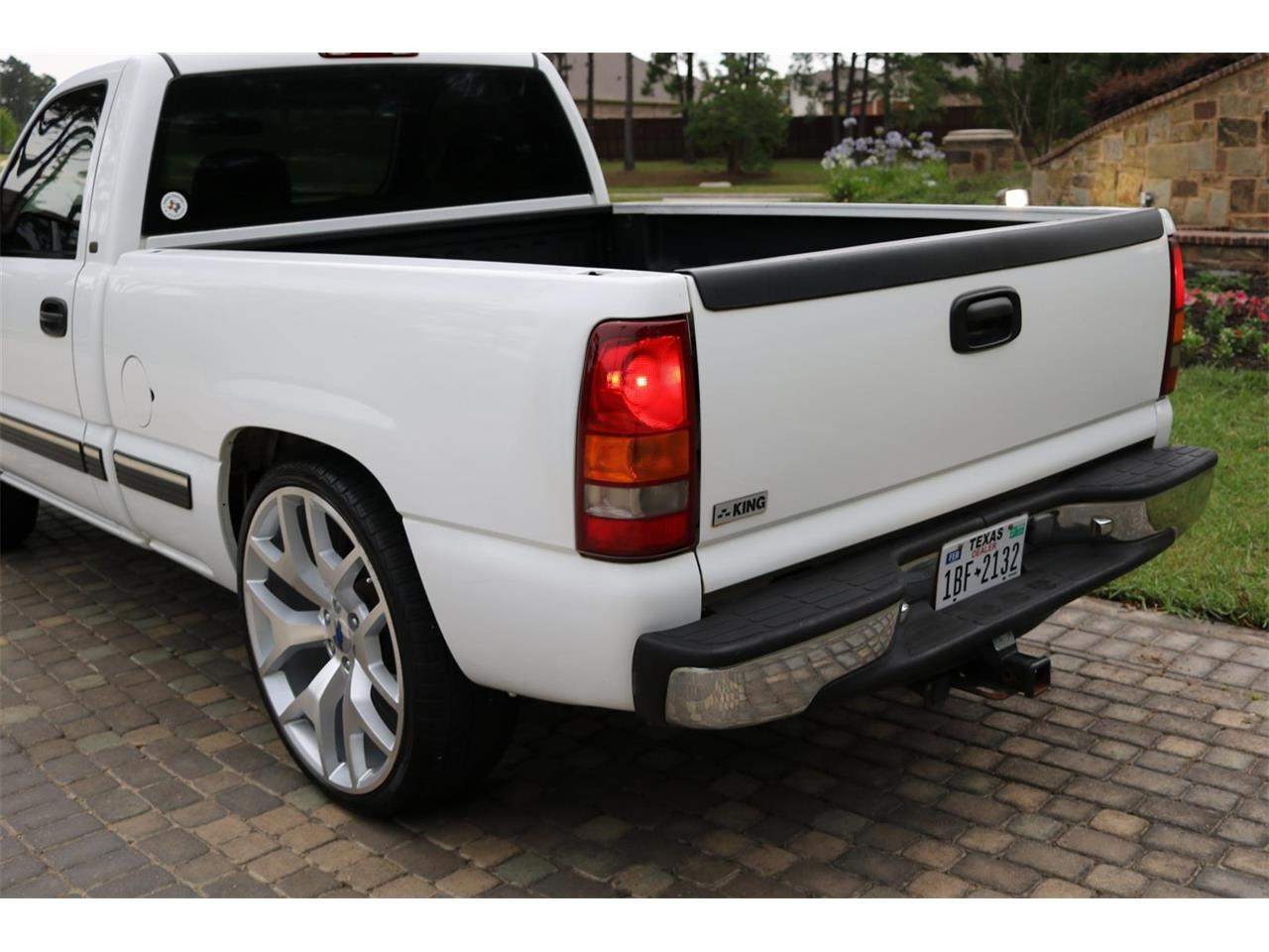 Large Picture of 2000 Chevrolet Silverado located in Texas Offered by Texas Trucks and Classics - PS94