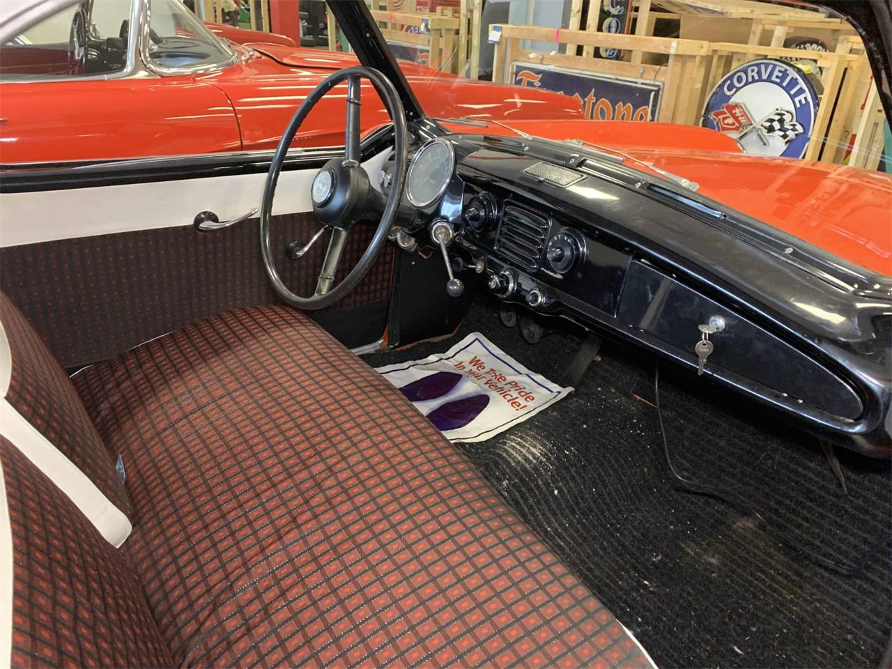 Large Picture of Classic '57 Nash Metropolitan - PPY8
