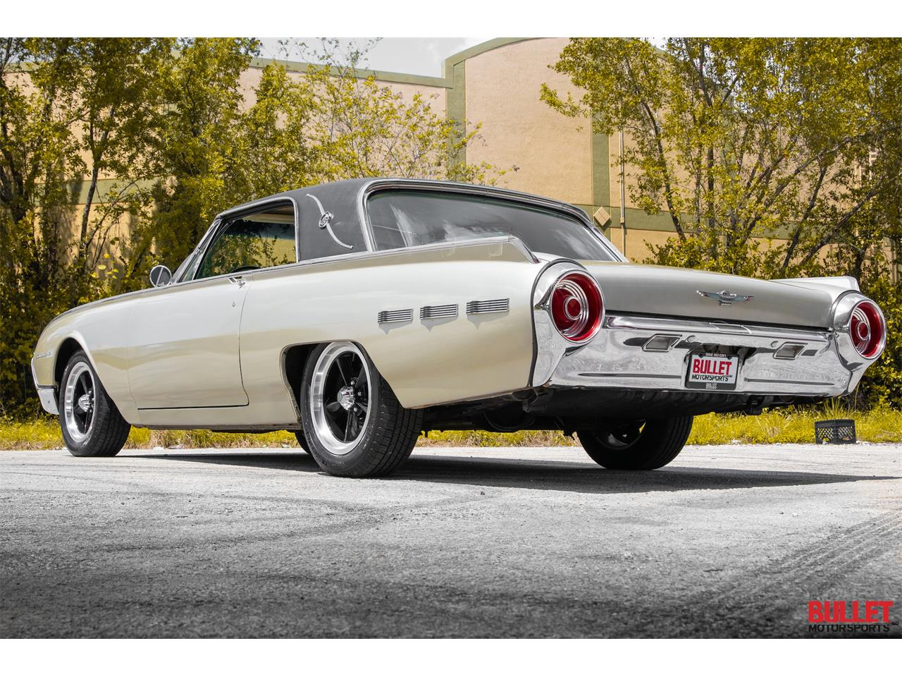 Large Picture of 1962 Ford Thunderbird located in Fort Lauderdale Florida - $18,450.00 - PSKN