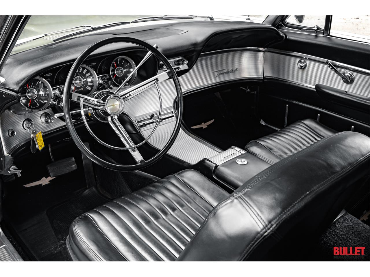 Large Picture of Classic 1962 Thunderbird - PSKN