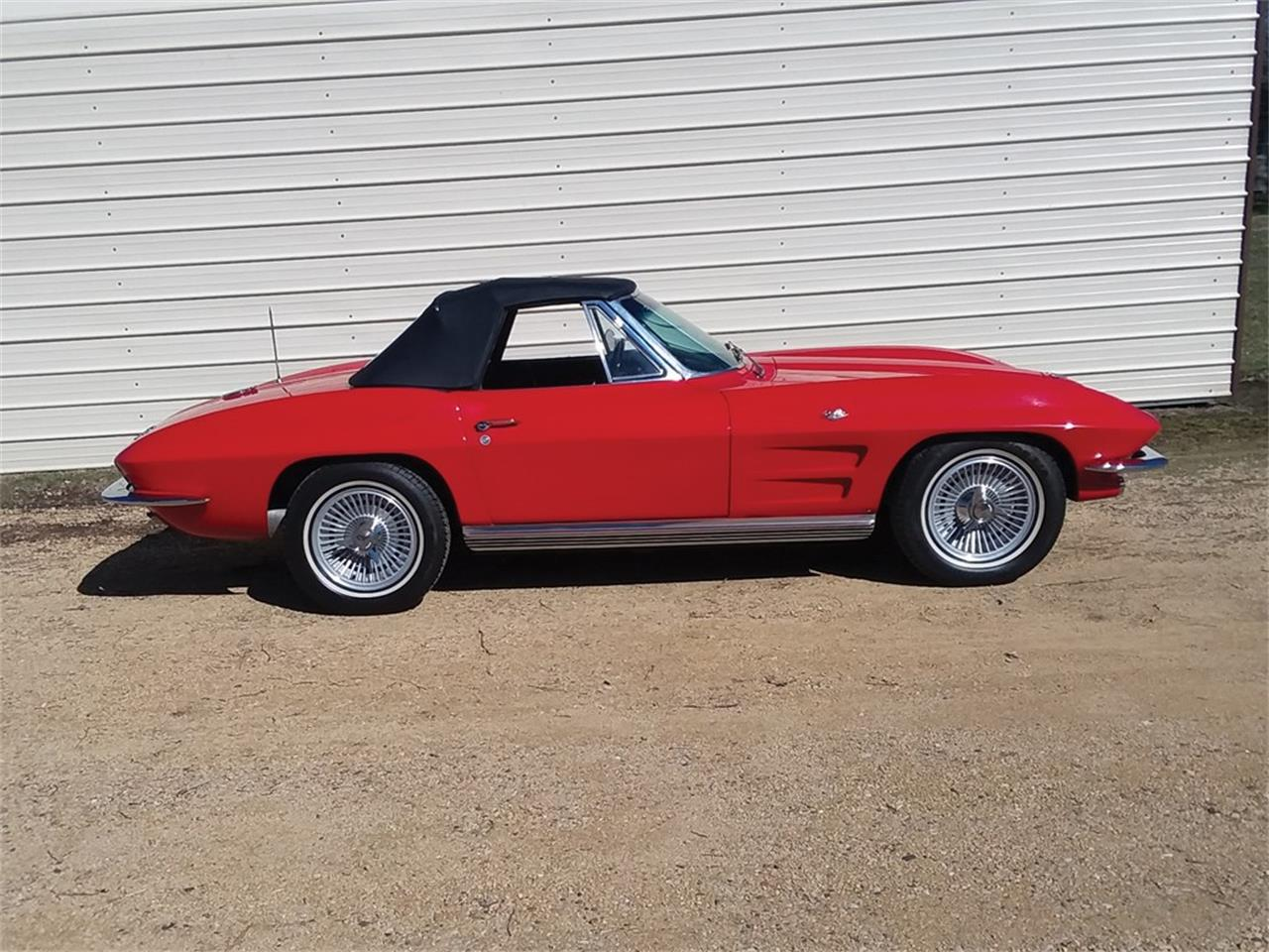 Large Picture of '64 Corvette Stingray - PT5U