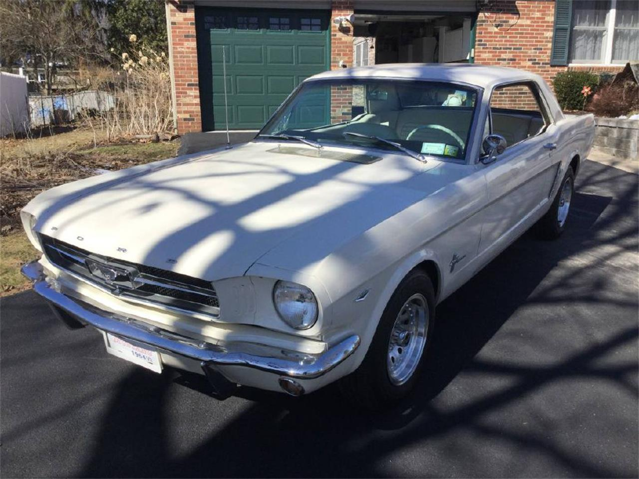 Large Picture of '64 Mustang - PT8X