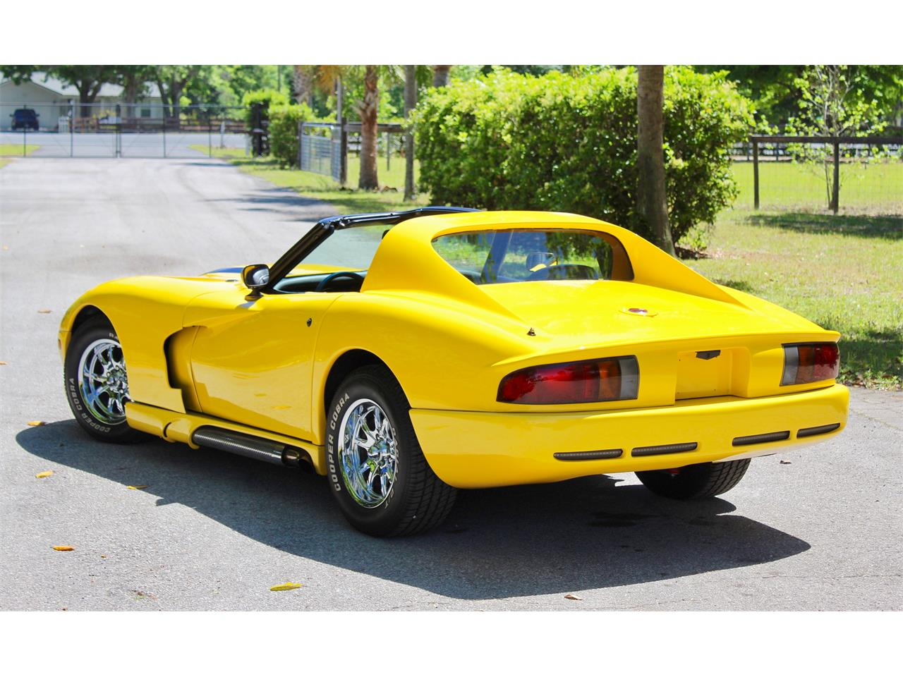 Large Picture of '76 Corvette - PTF9