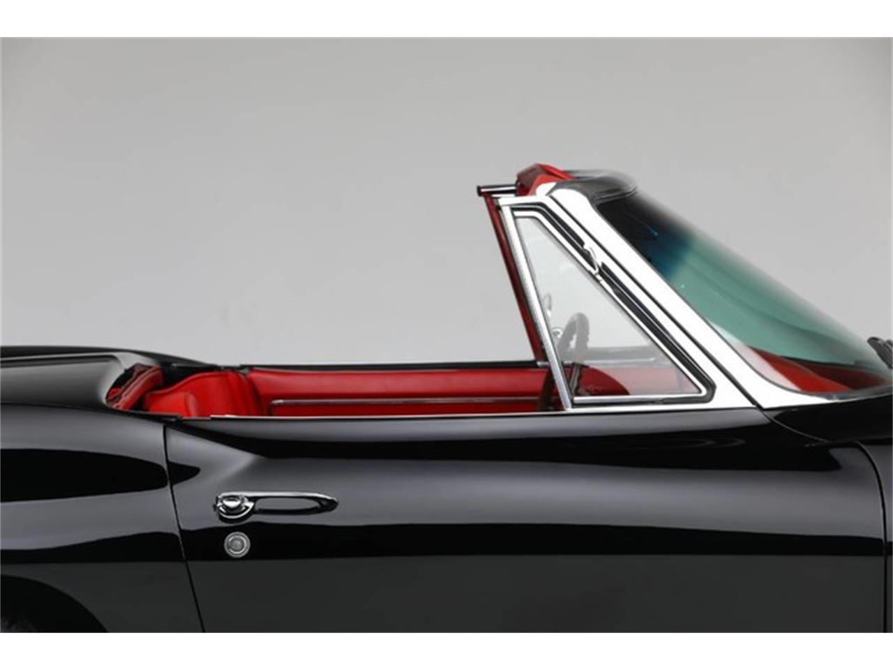 Large Picture of Classic 1967 Corvette - PU42
