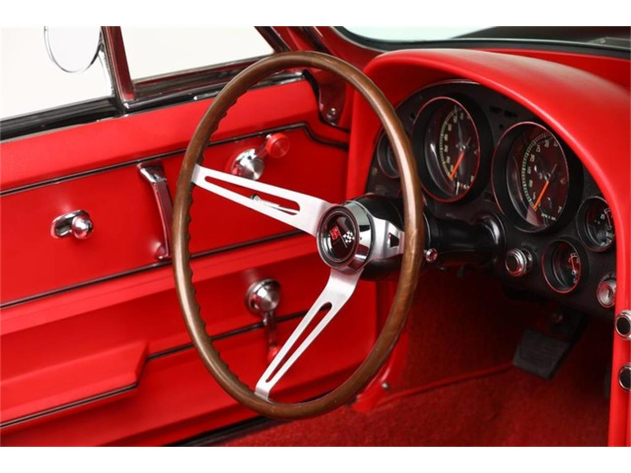 Large Picture of Classic '67 Corvette located in Clifton Park New York Auction Vehicle Offered by Prestige Motor Car Co. - PU42