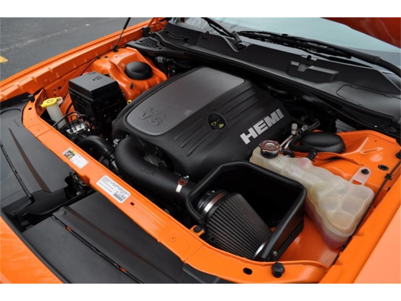 Large Picture of '14 Dodge Challenger - PU6D