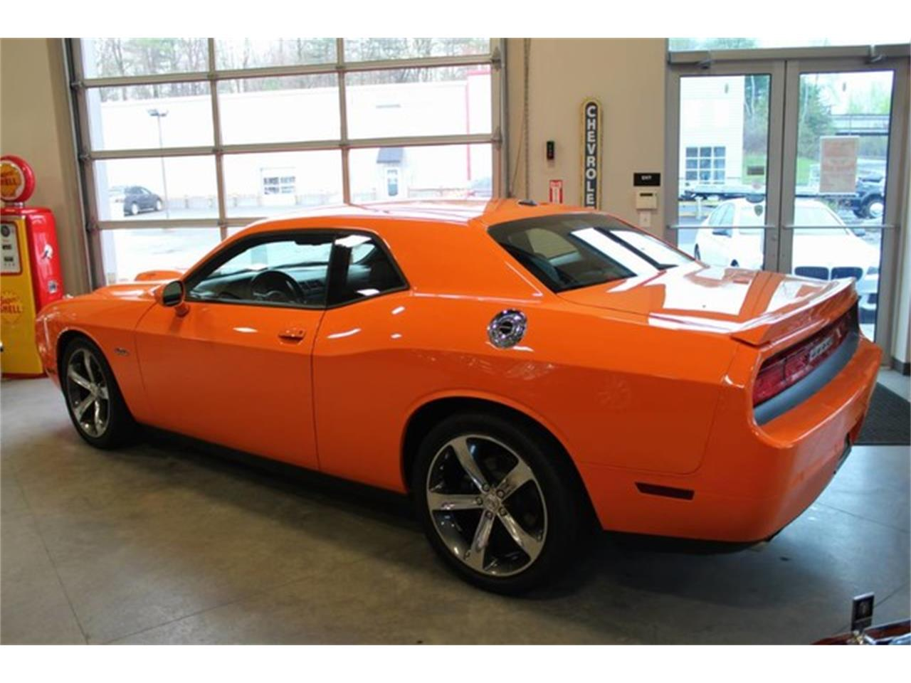 Large Picture of 2014 Dodge Challenger located in Clifton Park New York - PU6D
