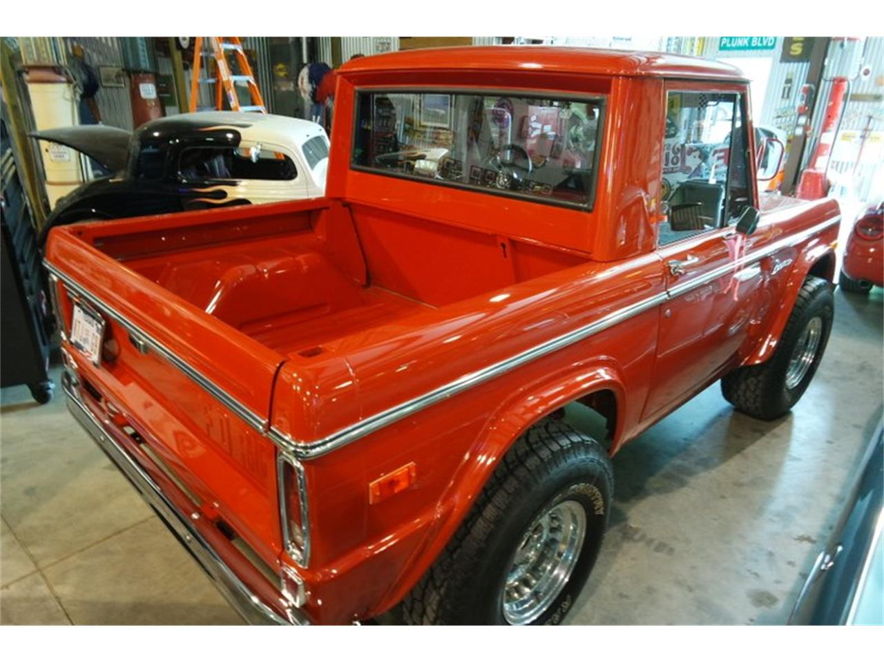 Large Picture of '75 Bronco - PU7F