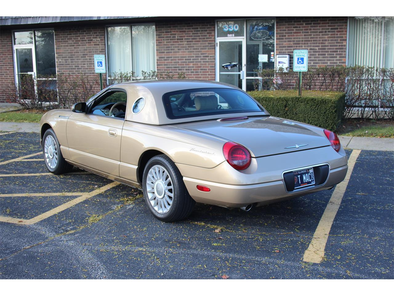 Large Picture of 2005 Thunderbird - $18,900.00 - PU87
