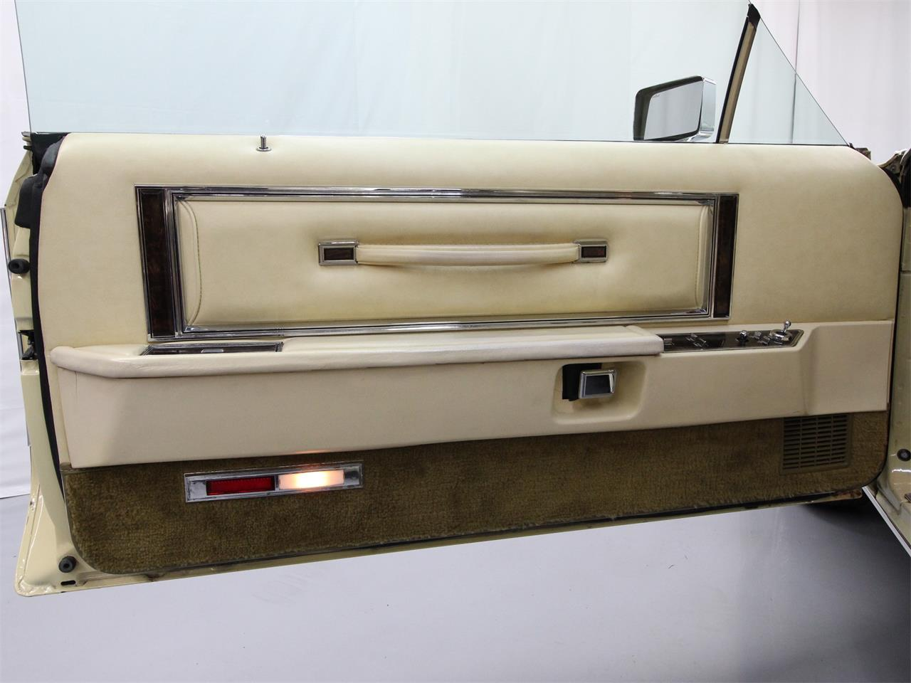 Large Picture of '79 Continental - PU8X