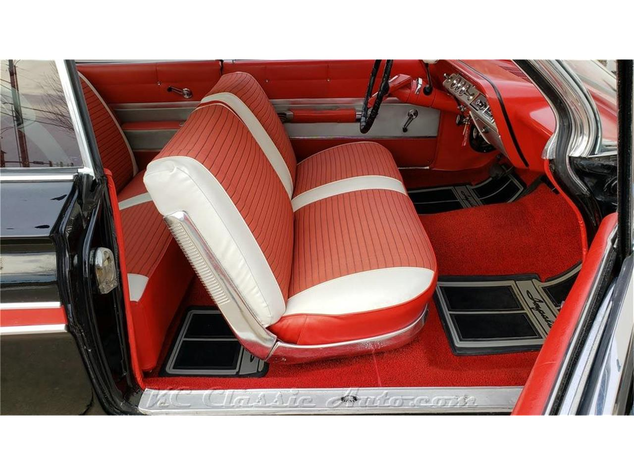 Large Picture of 1961 Chevrolet Impala - PUAS
