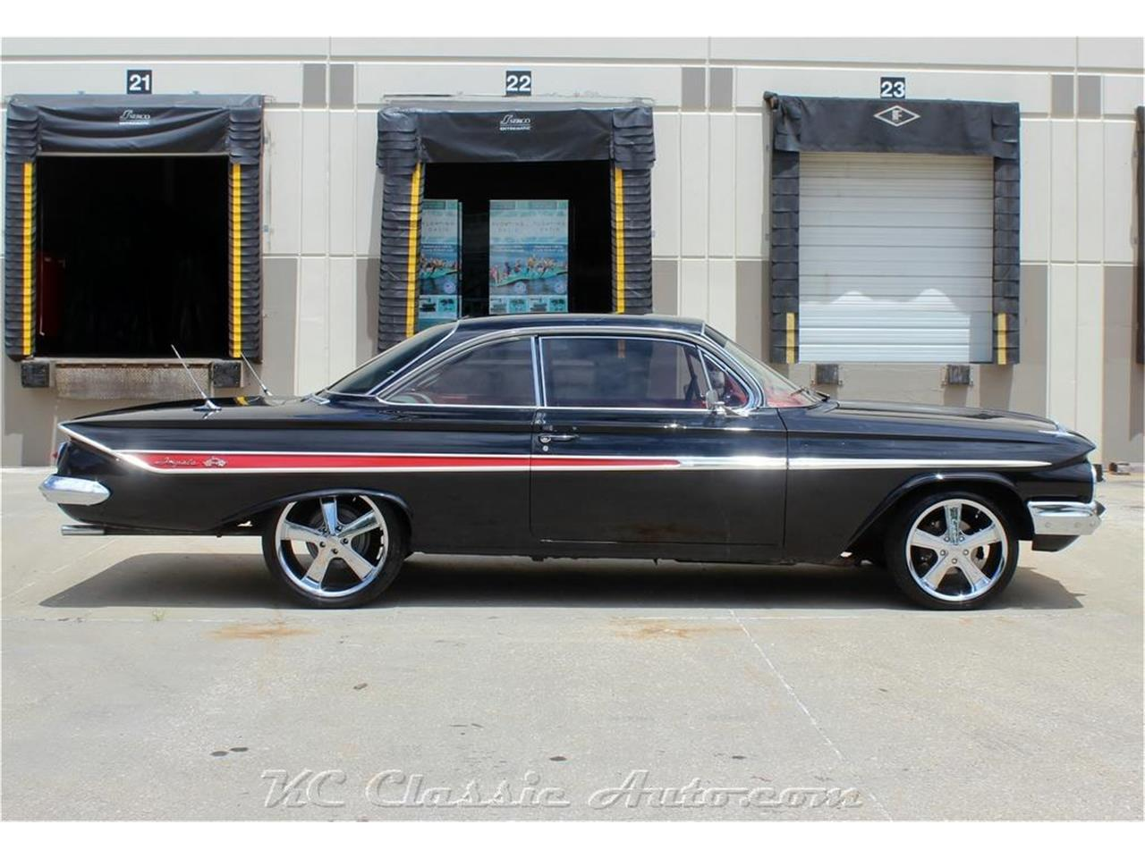 Large Picture of Classic '61 Impala located in Kansas - PUAS