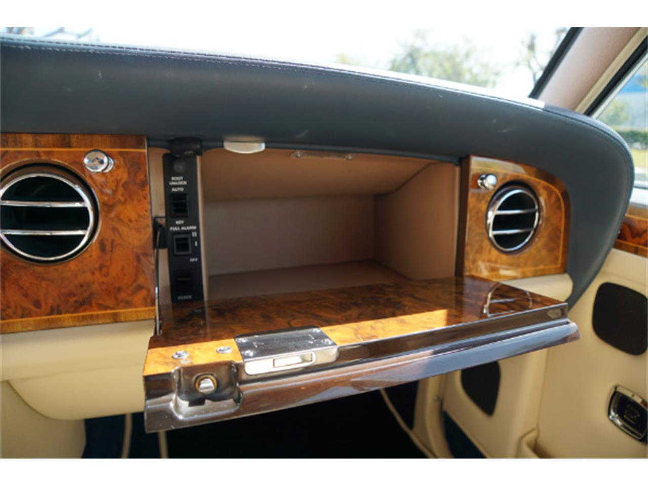 Large Picture of 1993 Rolls-Royce Silver Spur Offered by West Coast Classics - PUB8