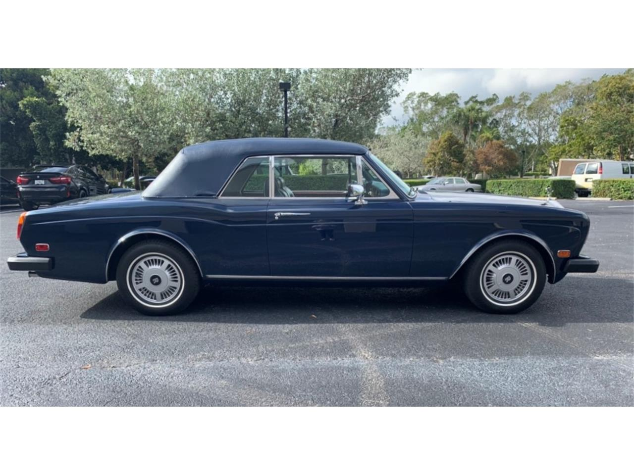 Large Picture of 1983 Rolls-Royce Corniche - PUCW