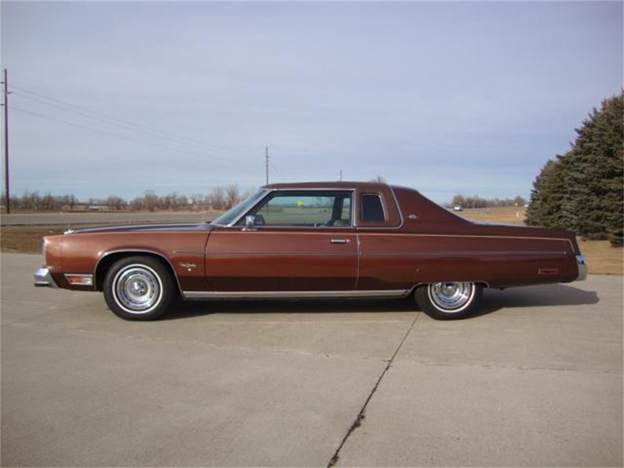 Large Picture of 1977 Chrysler New Yorker Offered by Gesswein Motors - PUEB