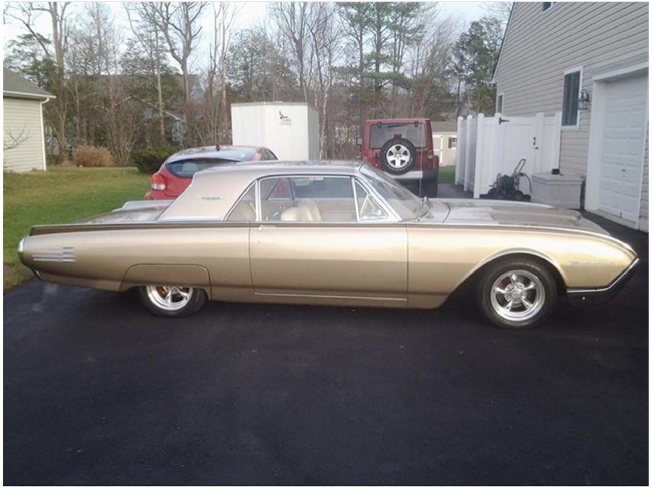 Large Picture of '61 Thunderbird - PUEF