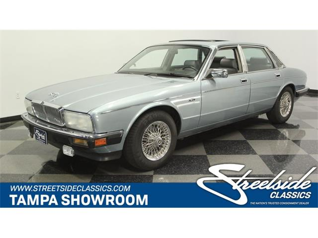 Picture of 1990 XJ6 - PUG8