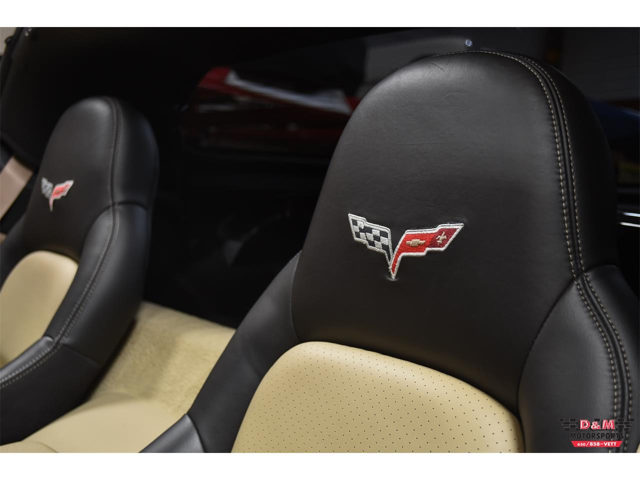 Large Picture of '10 Chevrolet Corvette located in Glen Ellyn Illinois - $37,995.00 - PUJ0