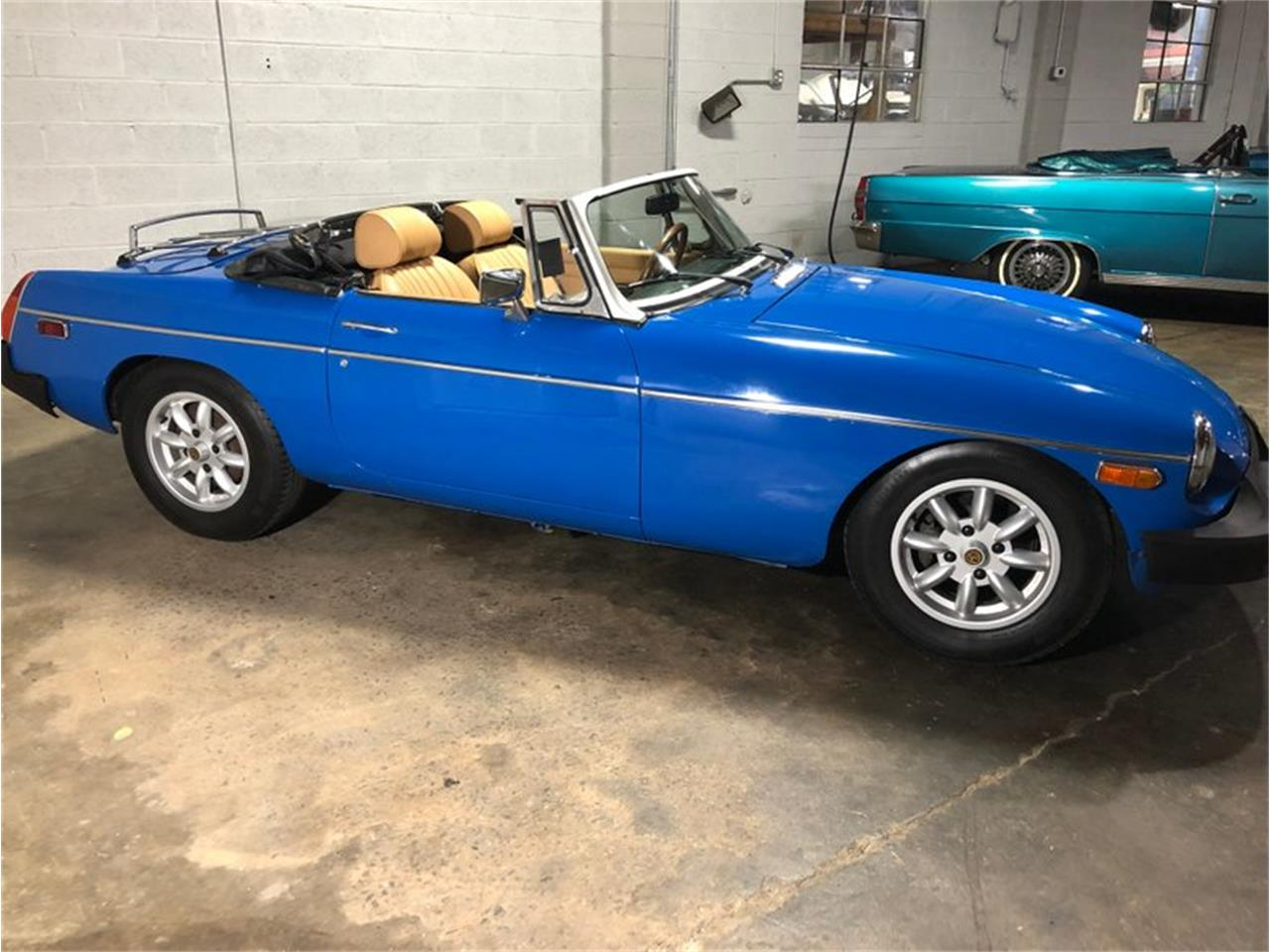 Large Picture of '76 MGB - PUJ5