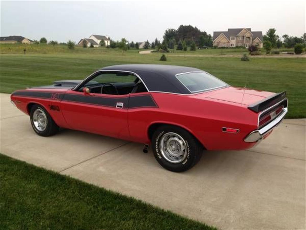Large Picture of '70 Challenger - PULE