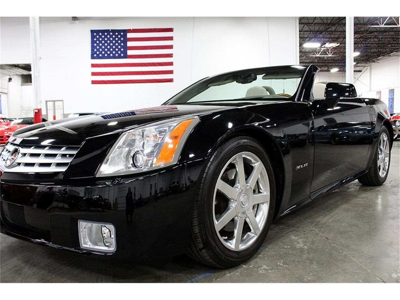 Large Picture of 2004 Cadillac XLR located in Kentwood Michigan - $28,900.00 - PUP2