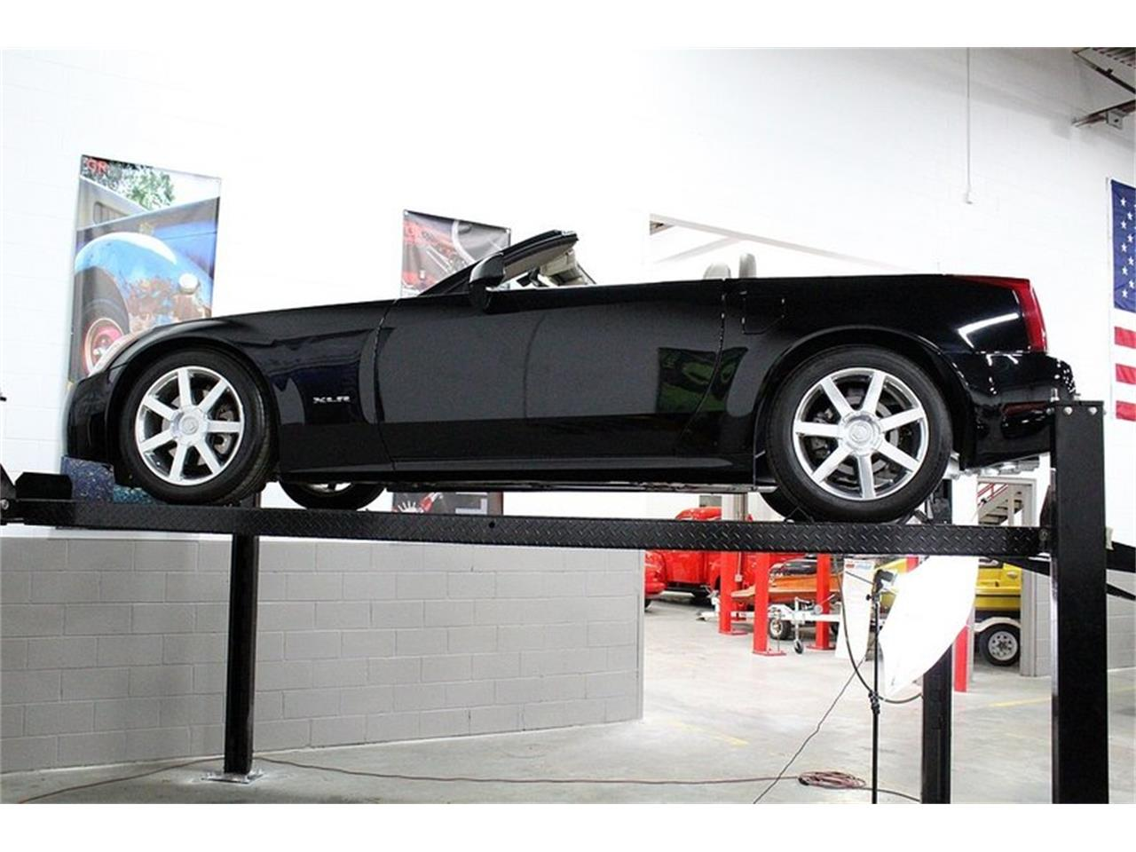 Large Picture of '04 Cadillac XLR located in Kentwood Michigan - $28,900.00 Offered by GR Auto Gallery - PUP2