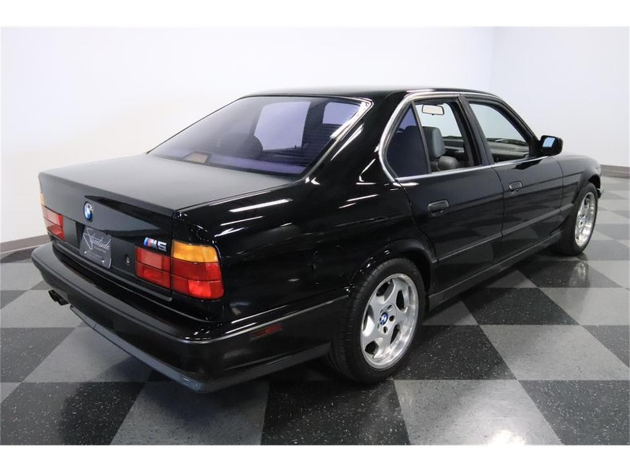 Large Picture of 1991 BMW M5 located in Arizona - $31,995.00 Offered by Streetside Classics - Phoenix - PUPZ