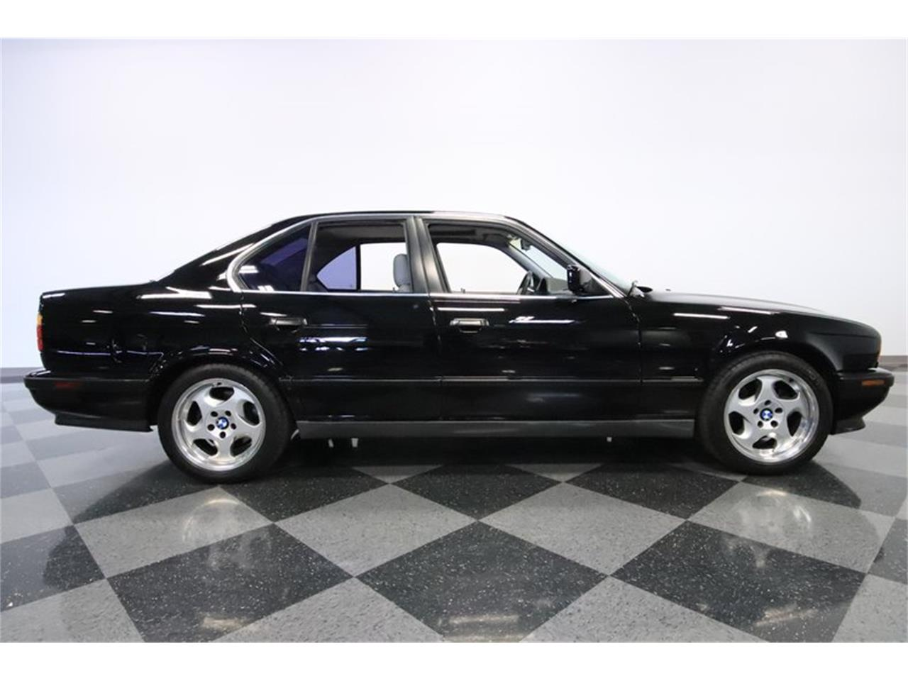 Large Picture of '91 BMW M5 located in Mesa Arizona - $31,995.00 Offered by Streetside Classics - Phoenix - PUPZ
