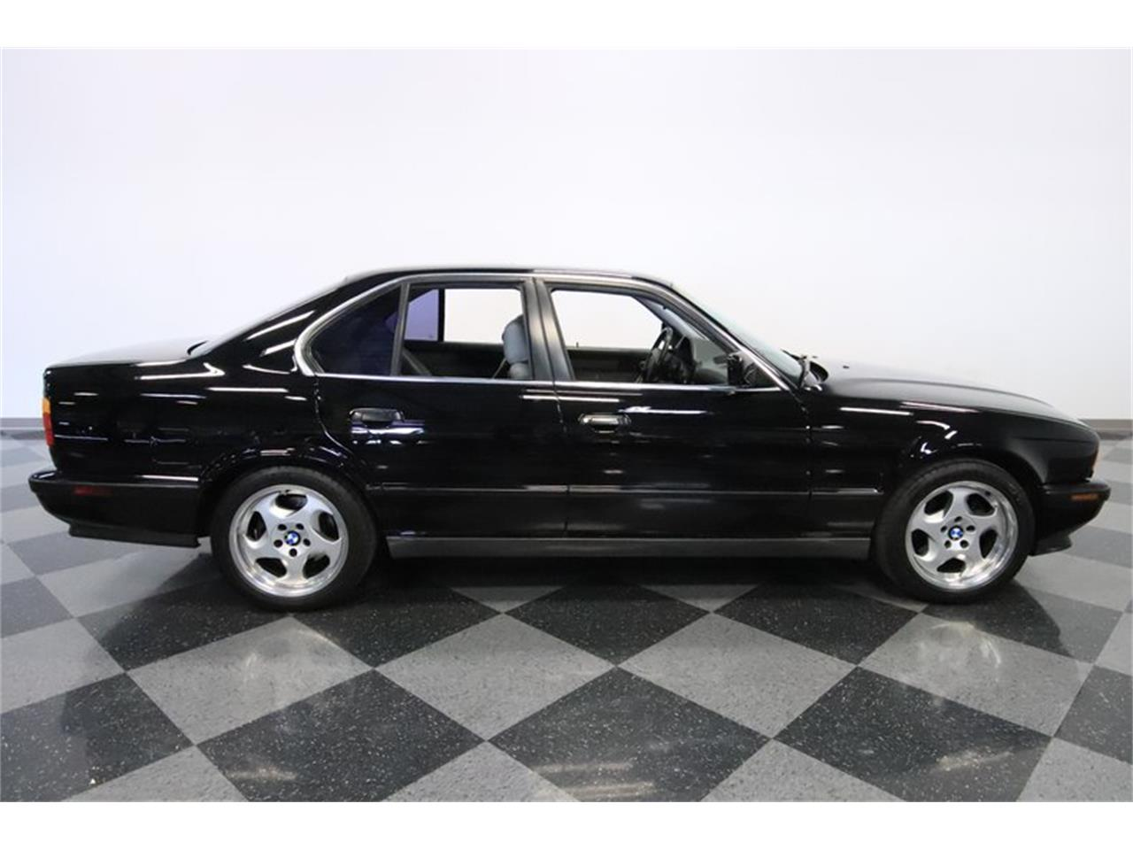 Large Picture of '91 BMW M5 located in Mesa Arizona Offered by Streetside Classics - Phoenix - PUPZ