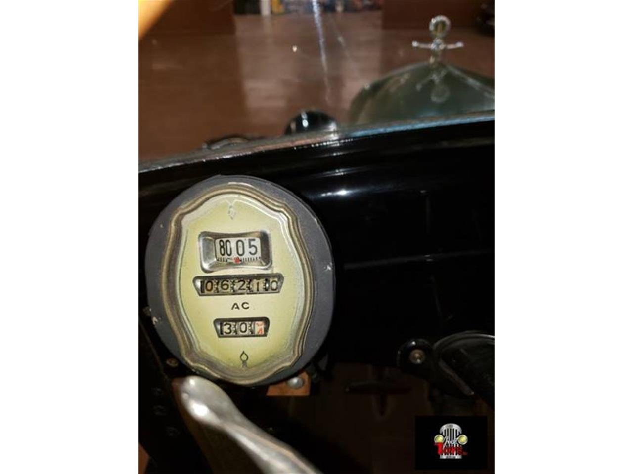 Large Picture of Classic 1927 Model T - PUTH