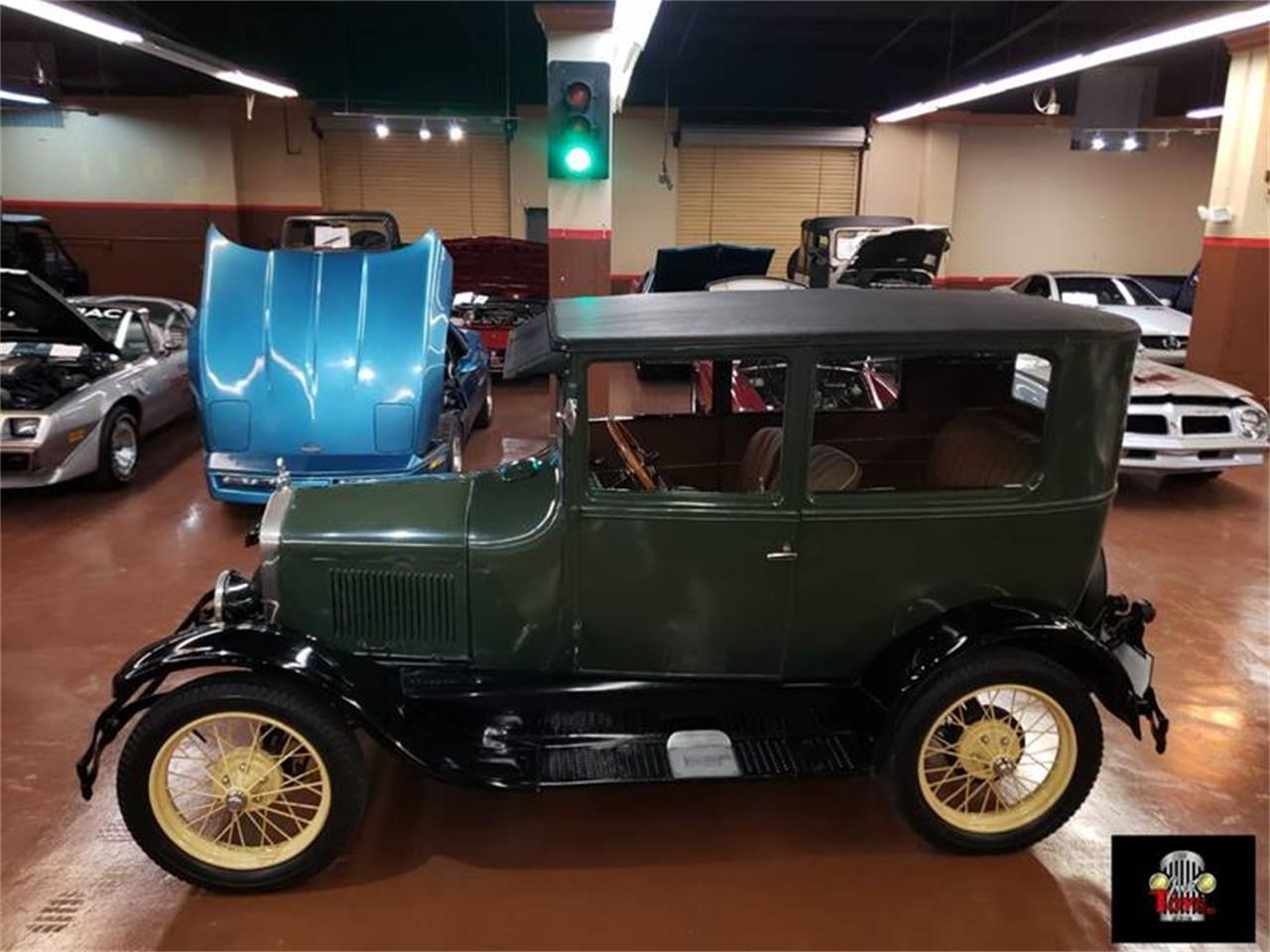 Large Picture of Classic '27 Model T - PUTH