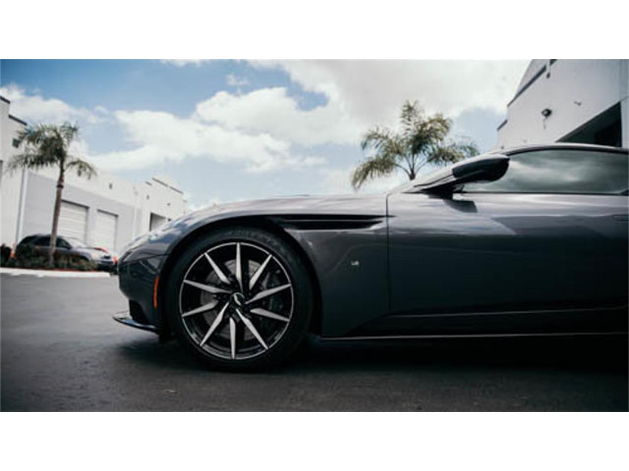 Large Picture of '17 DB11 - PV2I