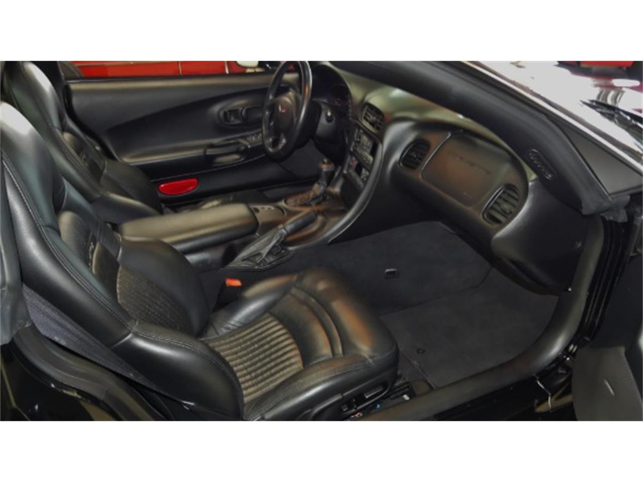 Large Picture of 1998 Chevrolet Corvette Offered by Cruisin Classics - PV85