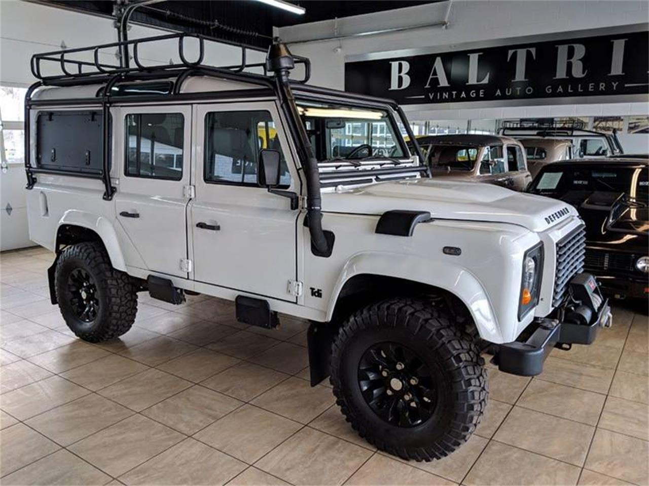 Large Picture of '98 Defender - PVE9
