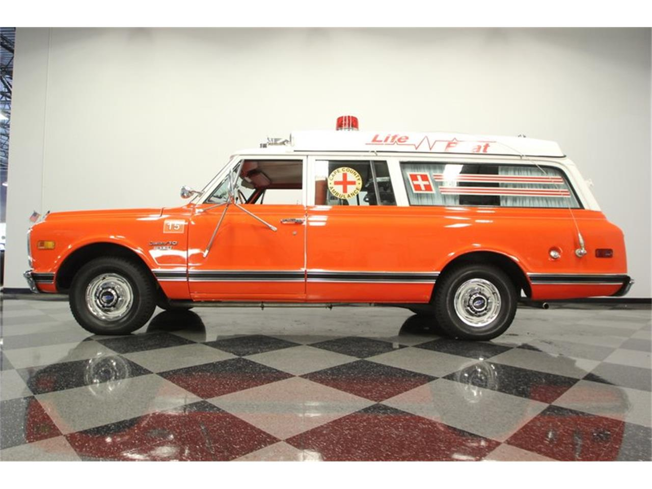 Large Picture of '70 Suburban - PVJH