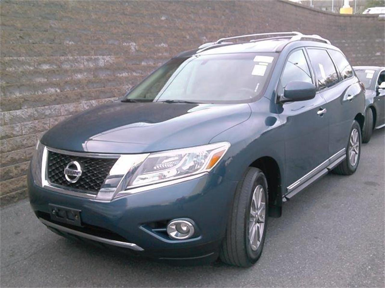 Large Picture of '14 Pathfinder - $16,495.00 Offered by Great Lakes Classic Cars - PVK0