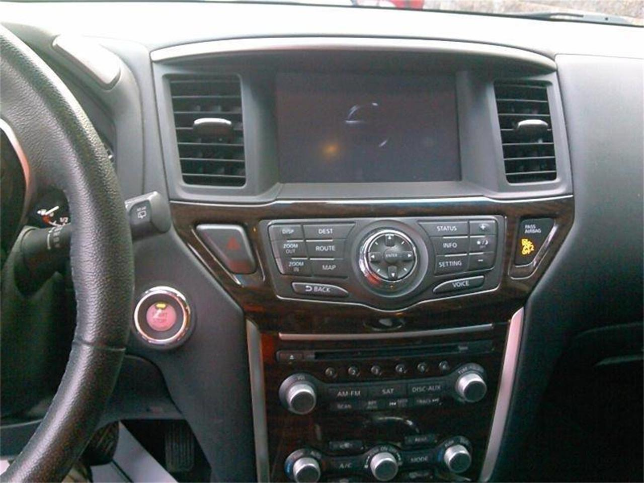 Large Picture of '14 Nissan Pathfinder Offered by Great Lakes Classic Cars - PVK0