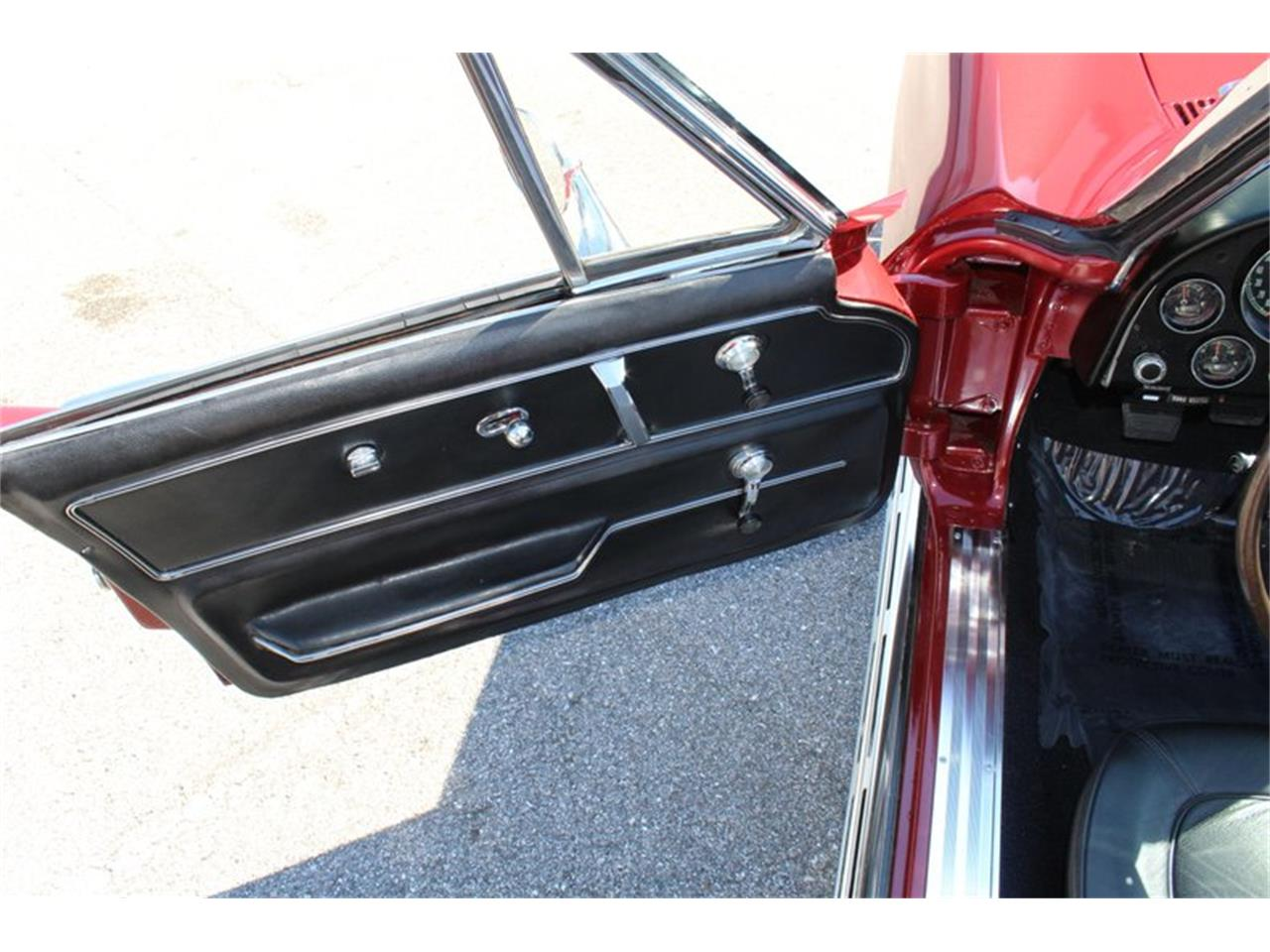 Large Picture of '67 Chevrolet Corvette Stingray located in Sarasota Florida Offered by Classic Cars of Sarasota - PVTL