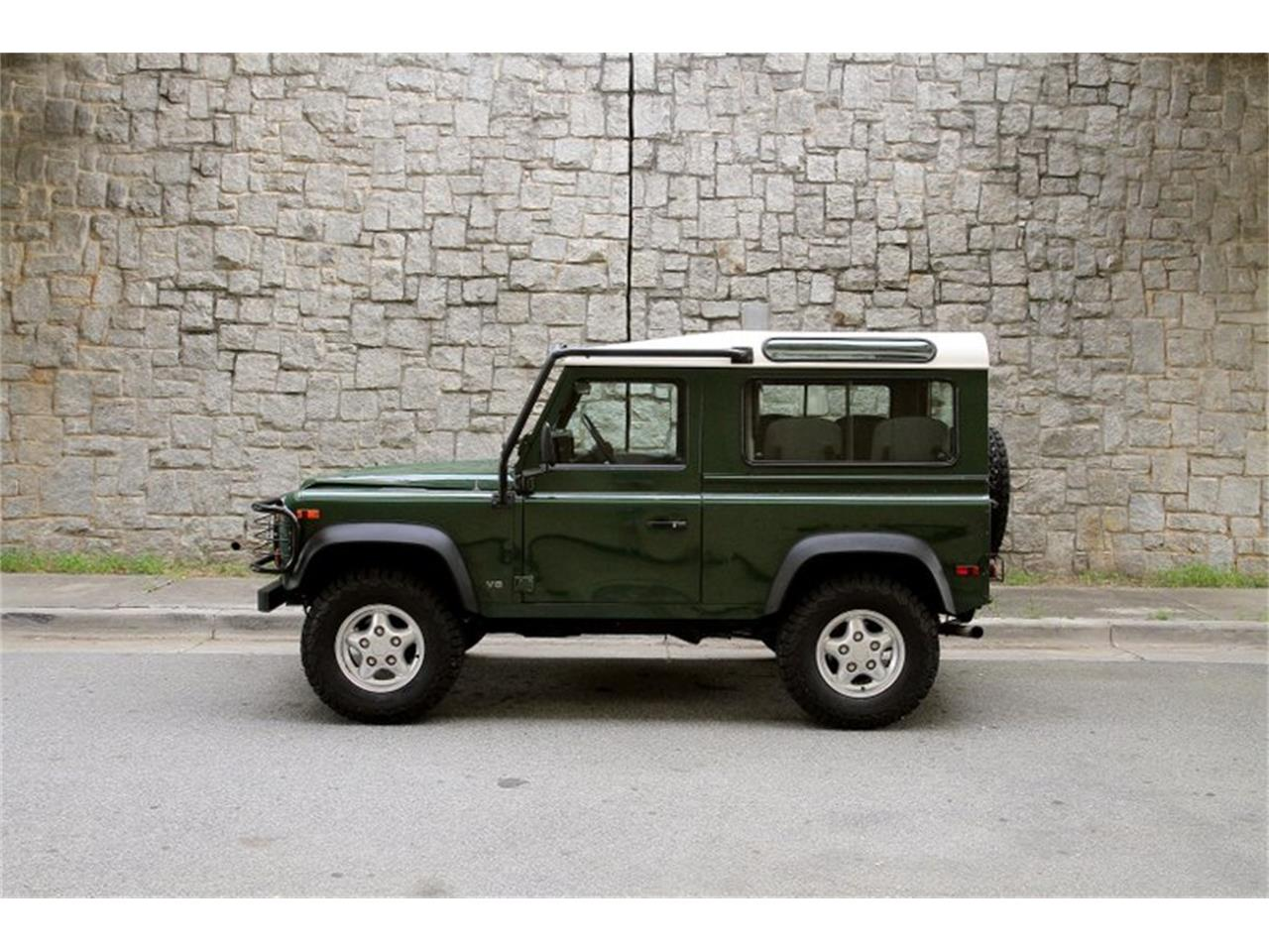 Large Picture of '97 Defender - PVU8