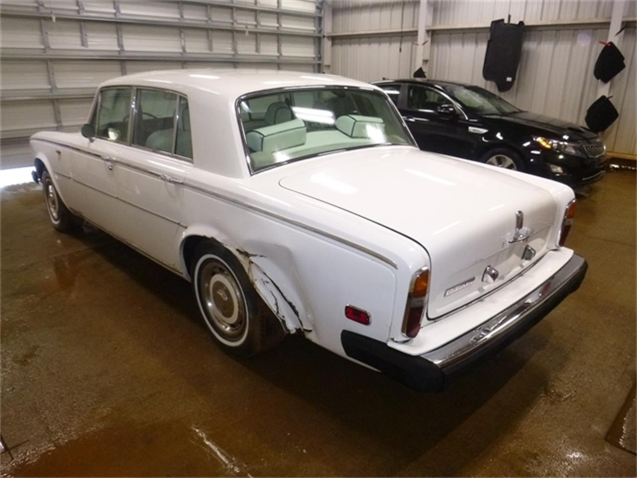 Large Picture of '75 Silver Shadow - PVWG