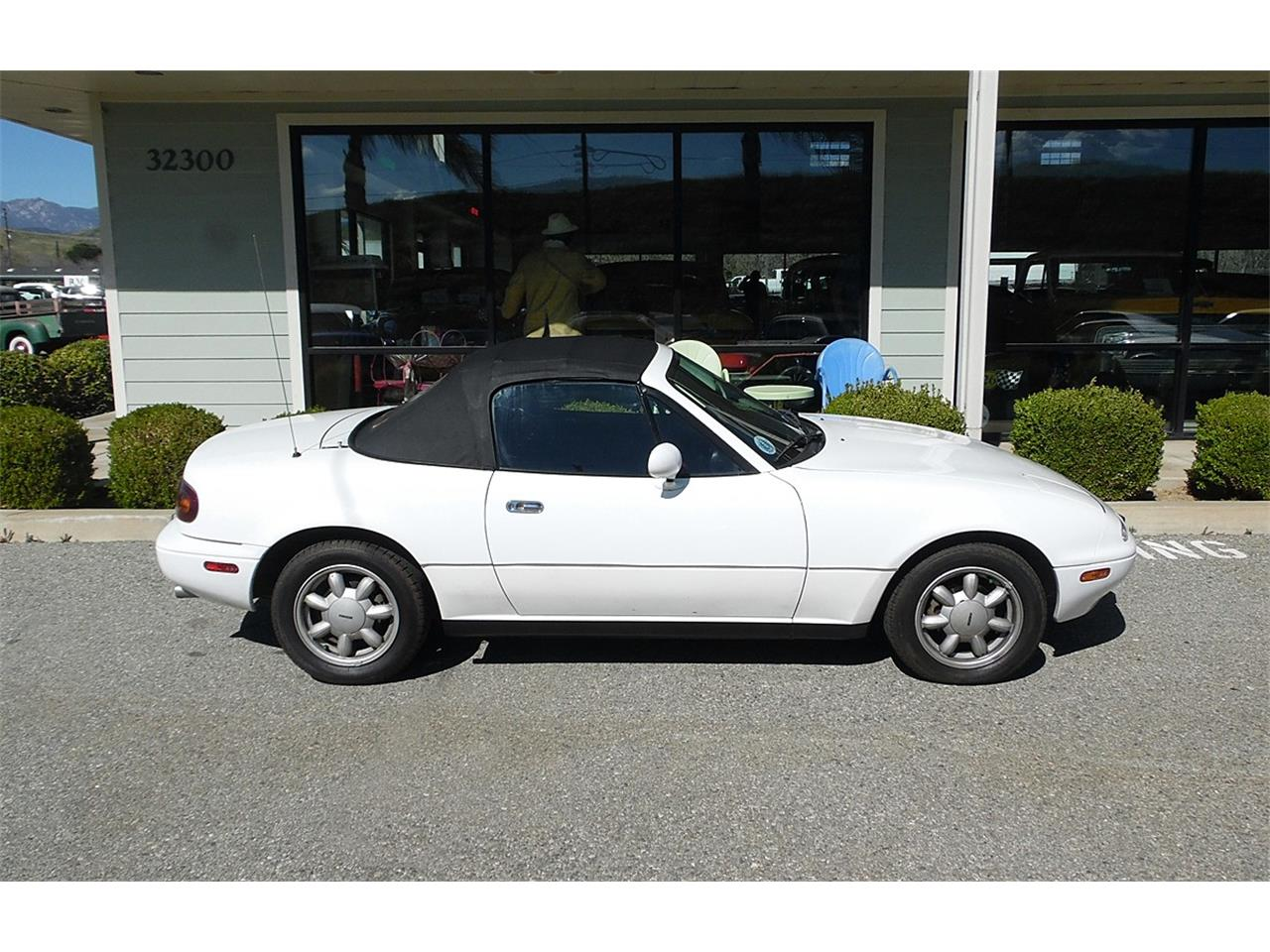 Large Picture of '90 Mazda Miata - $9,995.00 - PVWW