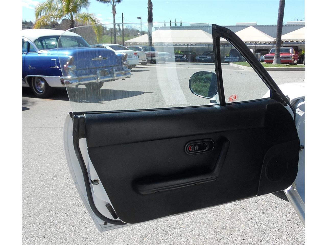 Large Picture of '90 Mazda Miata located in Redlands California - PVWW