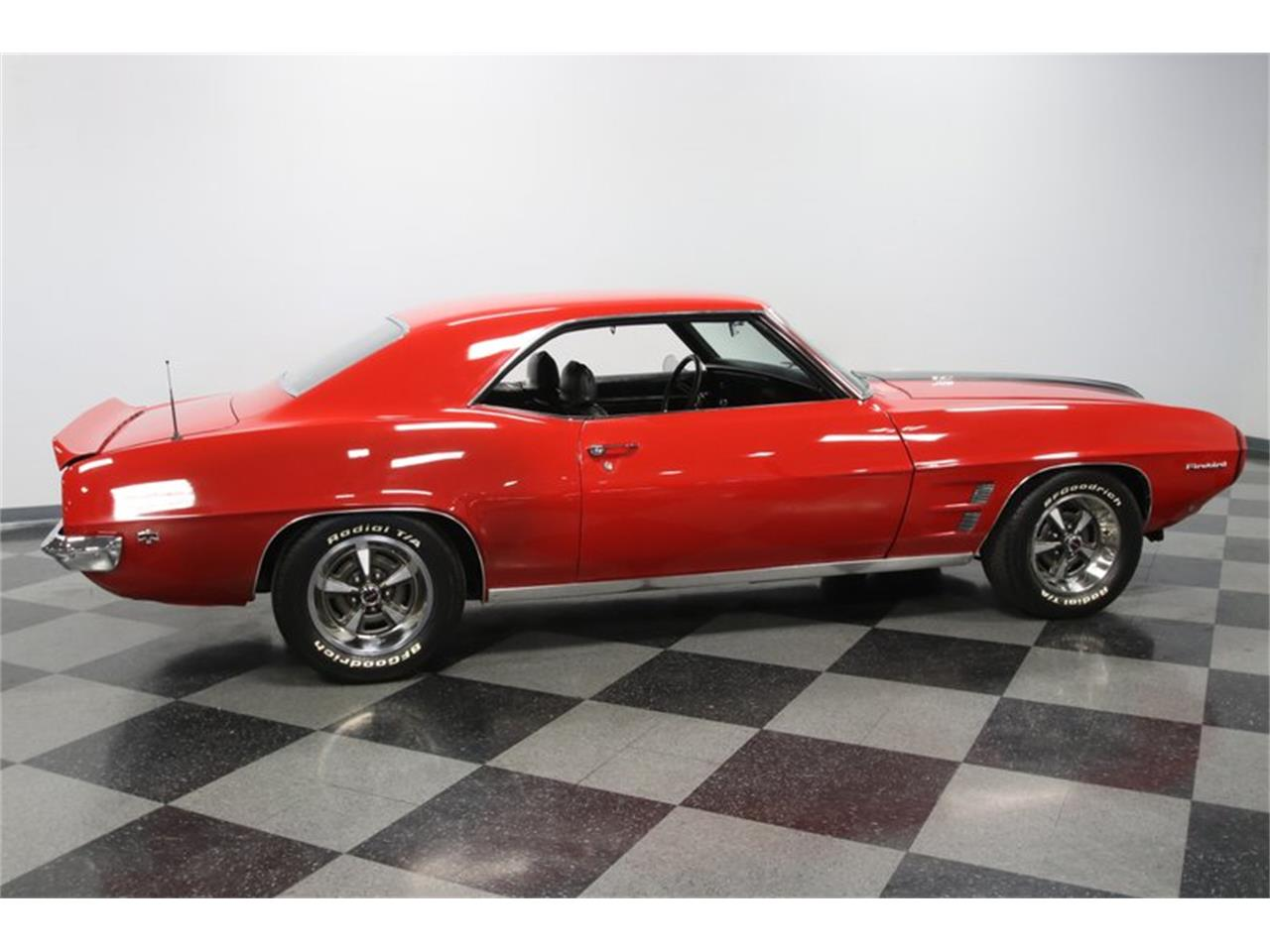 Large Picture of 1969 Pontiac Firebird - PVY7
