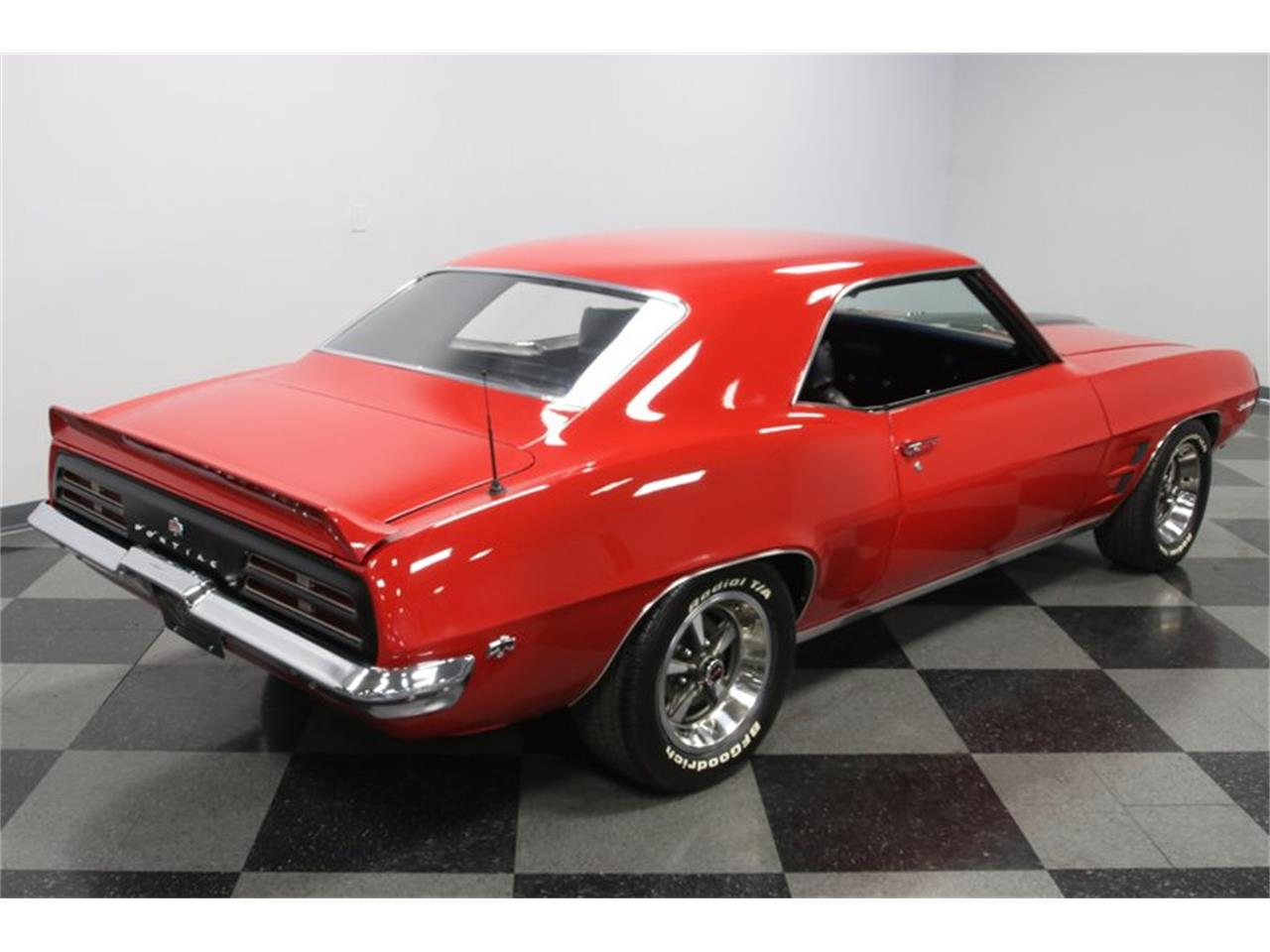 Large Picture of '69 Pontiac Firebird - PVY7